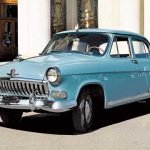Голубой ретро автомобиль